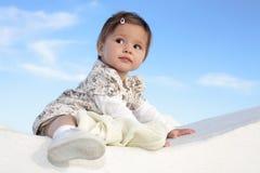 Bello sorridere della neonata Immagini Stock