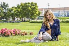 Bello sorridere della ragazza Immagini Stock Libere da Diritti