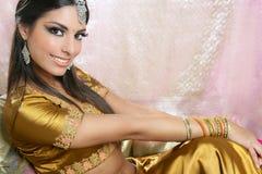 Bello stile tradizionale indiano di modo Fotografia Stock