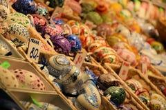 Bello supporto delle uova di Pasqua nel mercato di Pragues Fotografia Stock Libera da Diritti