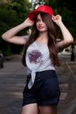 Bello teenager dai capelli lunghi Fotografia Stock Libera da Diritti