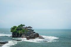Bello tempio al lotto di Tanah Immagine Stock