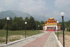 Bello tempio buddista moderno in valle di Barguzinsky La Buriazia, Russia fotografia stock