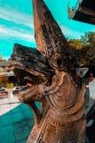 Bello tempio di Thai della guardia della scultura del serpente del Naga del serpente in Chiang Mai, Tailandia Fotografia Stock