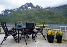 Bello terrazzo che trascura il fiordo Fotografie Stock