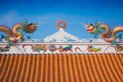 Bello tetto del drago del tempio cinese Fotografie Stock Libere da Diritti