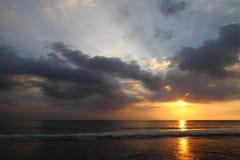 Bello tramonto ad Oceano Indiano Fotografia Stock Libera da Diritti