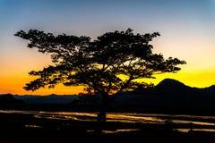 Bello tramonto al Mt Pinatubo fotografia stock