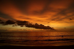 Bello tramonto arancio in Asia Fotografia Stock