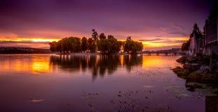 Bello tramonto arancio e porpora immagine stock libera da diritti