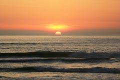 Bello tramonto del mare immagini stock