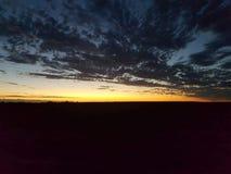 Bello tramonto del paese fotografie stock