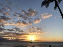 Bello tramonto in Maui! immagine stock