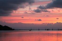 Bello tramonto nel lago di songkhla Immagine Stock Libera da Diritti