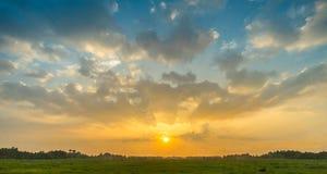 Bello tramonto nell'alba Fotografie Stock