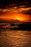 Bello tramonto nell'oceano Immagini Stock Libere da Diritti