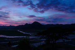 Bello tramonto in Pinatubo fotografia stock