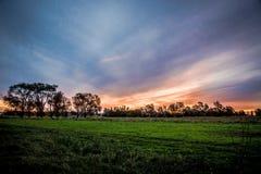 Bello tramonto scenico ai campi dell'Argentina Lato del paese south Immagini Stock