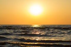 Bello tramonto sopra il Mar Baltico Fotografia Stock Libera da Diritti