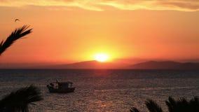 Bello tramonto sopra il Mar Egeo video d archivio