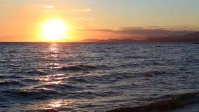 Bello tramonto sopra il Mar Egeo archivi video