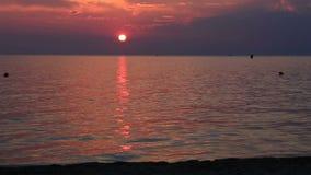 Bello tramonto sopra il Mar Egeo Lasso di tempo video d archivio