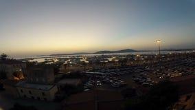 Bello tramonto sopra il mare stock footage