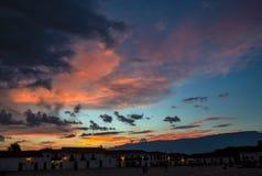 Bello tramonto sopra il quadrato principale fotografia stock