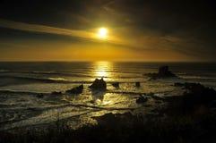 Bello tramonto sopra la spiaggia Fotografia Stock