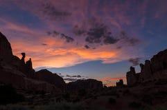 Bello tramonto sopra Park Avenue Fotografie Stock Libere da Diritti