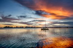Bello tramonto sul lago Matheson in Nuova Zelanda fotografie stock