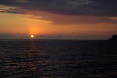 Bello tramonto sul mare Fotografie Stock Libere da Diritti