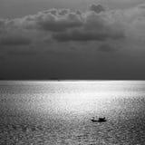 Bello tramonto sul mare Immagini Stock
