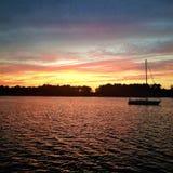 Bello tramonto sull'ancora nella Nord Carolina ICW fotografia stock libera da diritti