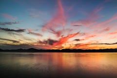 Bello tramonto sull'oceano Pacifico - HDR Immagine Stock Libera da Diritti