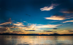 Bello tramonto sull'oceano Pacifico - HDR Fotografia Stock Libera da Diritti