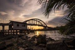 Bello tramonto vicino al fiume Malesia di Kedah dove tutto il pescatore in tensione Immagini Stock Libere da Diritti