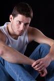 Bello uomo con indifferenza vestito Fotografia Stock Libera da Diritti