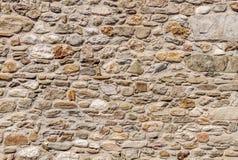 Bello vecchio fondo della parete di pietra del castello Immagini Stock