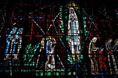 Bello vetro macchiato in Notre Dame de Lourdes, Casablanca Immagini Stock