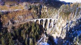 Bello viadotto in Svizzera, vista aerea Fotografia Stock Libera da Diritti