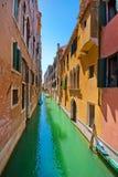 Bello vicolo a Venezia. Fotografia Stock Libera da Diritti