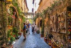 Bello vicolo vicino alla cattedrale di Orvieto, Umbria, Italia Immagine Stock
