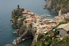 Bello villaggio italiano di Vernazza Fotografia Stock Libera da Diritti