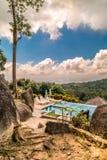 Bello wiev della piscina dalle montagne Fotografie Stock