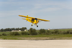 Bellota jet piper cub greath plane model landing. A piper cub flying slow, maxi plane model in bellota jet, the temple of radiocontrol Stock Images