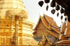 Bells accrochantes sur Wat Phrathat Doi Suthep Temple Image stock