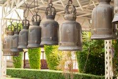 Bells dans un temple bouddhiste image libre de droits