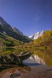 Bells marron la nuit avec la manière laiteuse évidente Aspen Colorado Photo stock