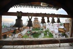 Bells sur la tour de cloche au centre de divertissement Images stock